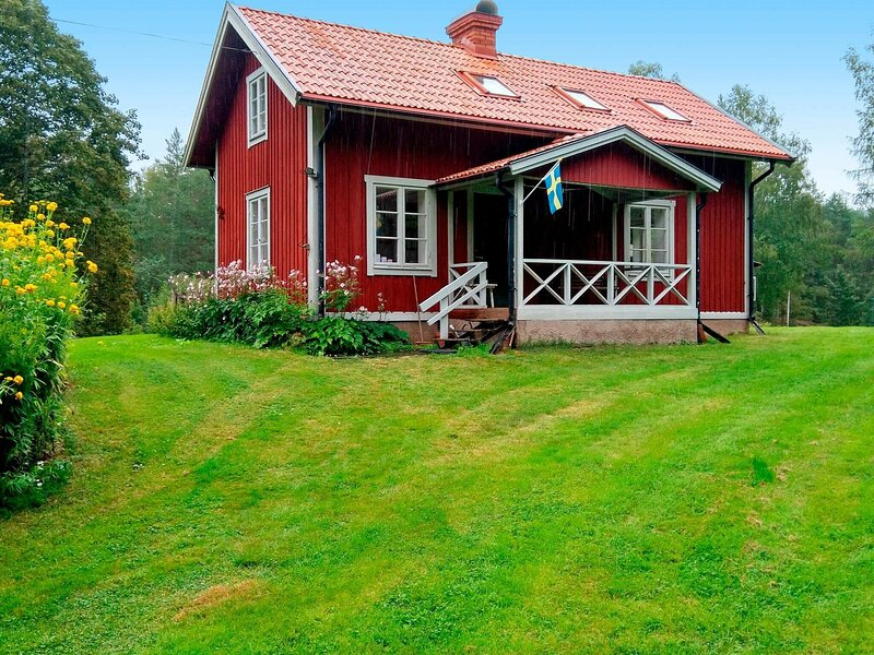 6 person holiday home in MOTALA – semesterbostad i Tived