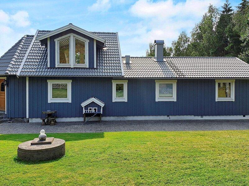 4 star holiday home in HENÅN – semesterbostad i Henån