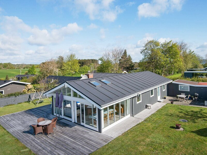 Modern Holiday Home in Børkop With Terrace, holiday rental in Skive