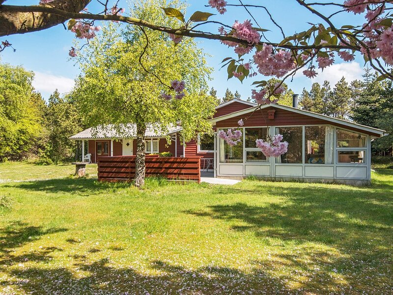 Rustic Holiday Home in Rømø Amidst Nature, location de vacances à List
