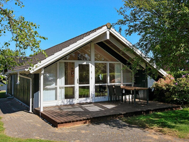Scenic Holiday Home in Esbjerg Amidst Nature, casa vacanza a Esbjerg
