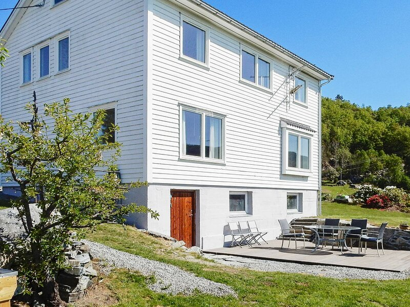 7 person holiday home in Skiftun, holiday rental in Hjelmeland