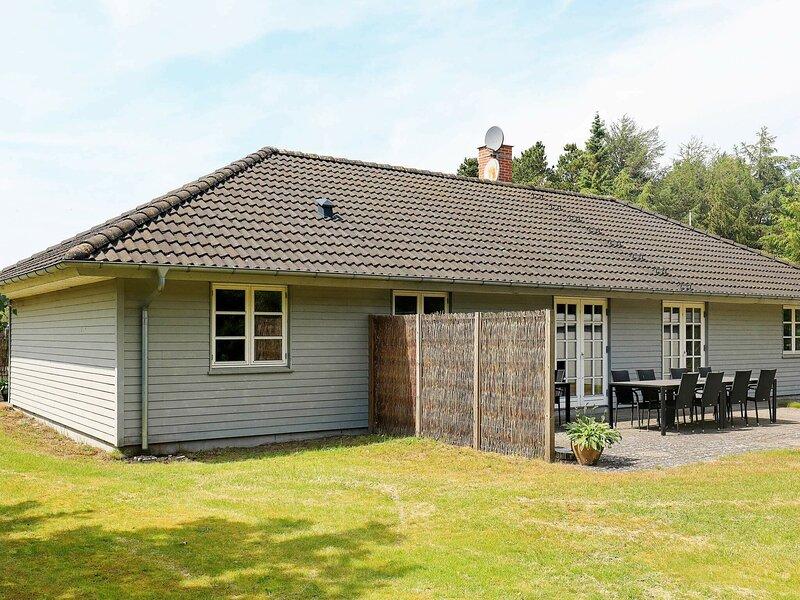 Cosy Holiday Home in Hals with Sauna, vacation rental in Geraa