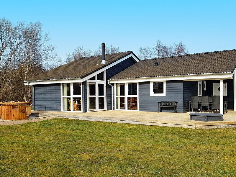 Enchanting Holiday Home in Strandby with Terrace, vacation rental in Bratten
