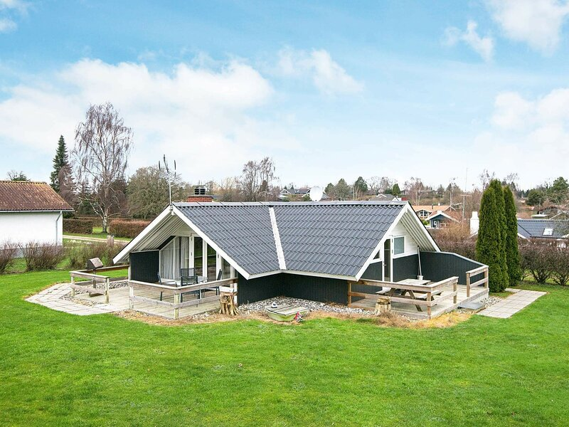 Restful Holiday Home in Hejls with Terrace, vacation rental in Christiansfeld