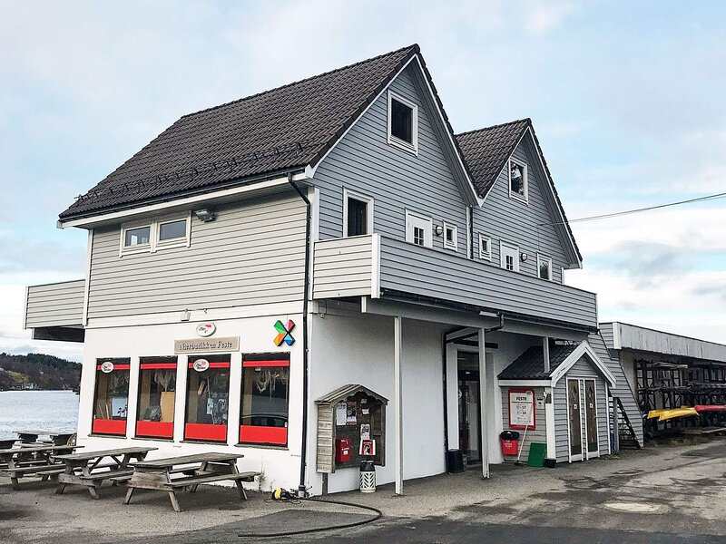6 person holiday home in Seim, location de vacances à Eikangervag