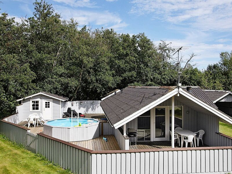 Quaint Holiday Home in Strandby with Swimming Pool, vacation rental in Bratten
