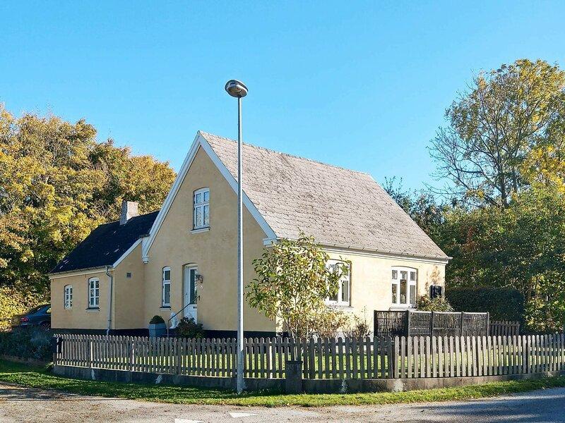 Grand Holiday Home in Søby Ærø near Golf Course, location de vacances à Aero