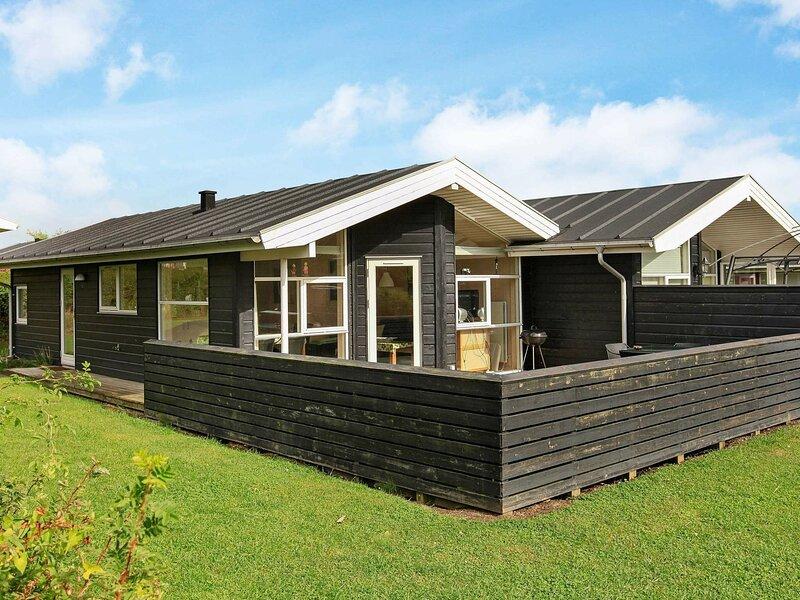Comfortable Holiday Home in Tranekær near the Sea, location de vacances à Tranekaer