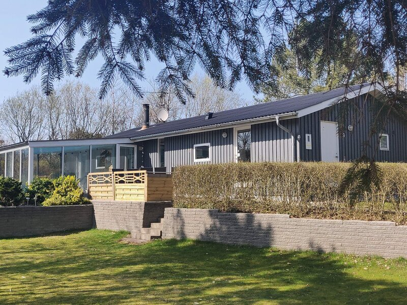 Lovely Cottage in Farsø with Swimming Pool, holiday rental in Vesthimmerland Municipality