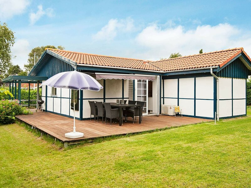Scenic Holiday Home in Hejls with Terrace, vacation rental in Christiansfeld