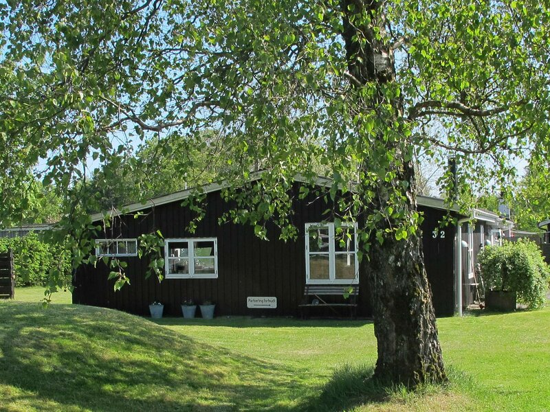 Snug Holiday Home in Hals with Terrace, location de vacances à Hals