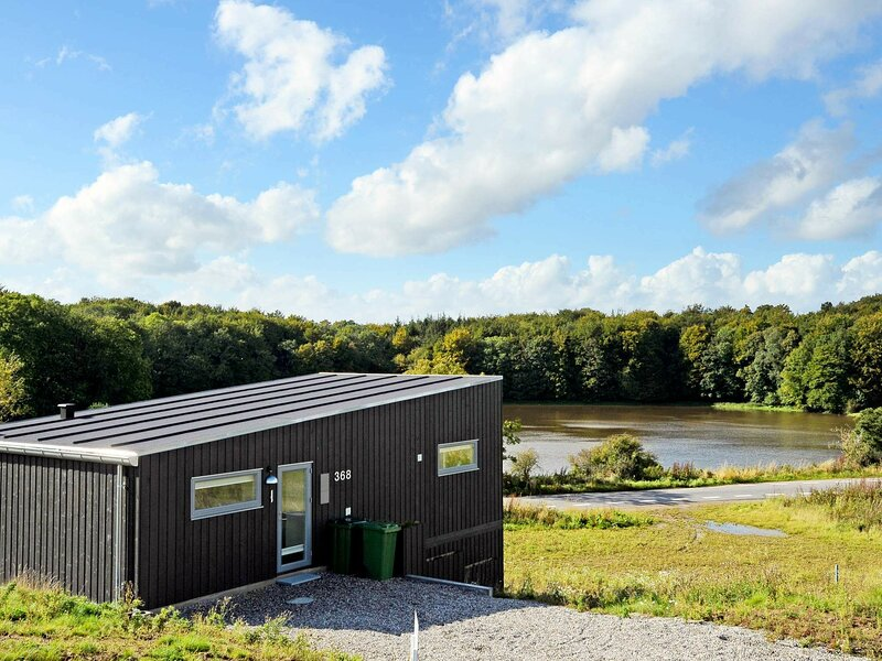 Tranquil Holiday Home in Aabenraa with Lake View, holiday rental in Aabenraa