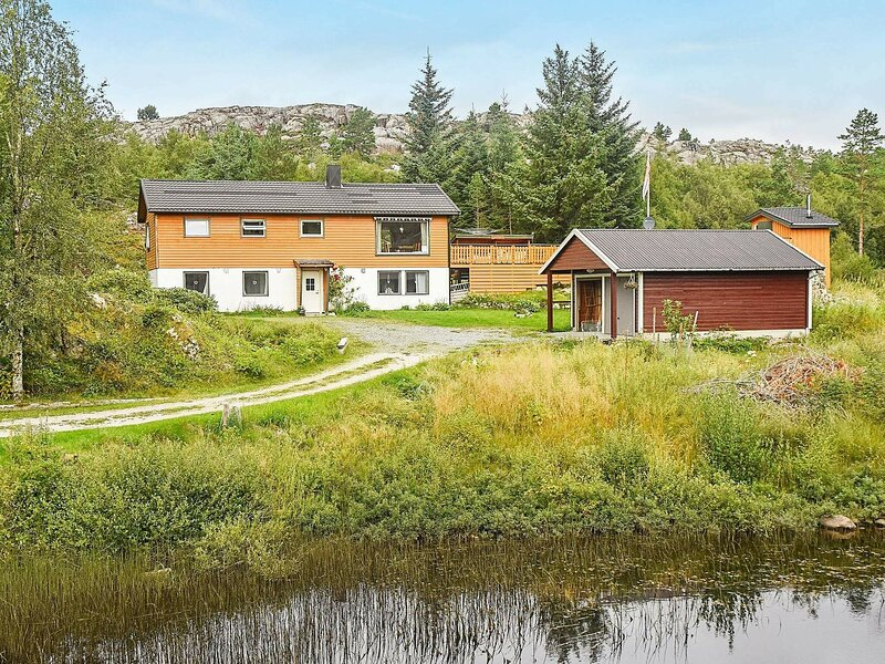 8 person holiday home in Sandstad, holiday rental in Central Norway