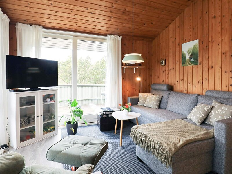 Peaceful Holiday Home in Jerup near the Sea, holiday rental in Bratten