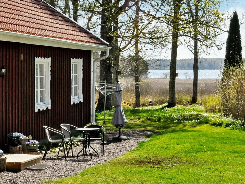5 person holiday home in KRISTINEHAMN – semesterbostad i Degerfors