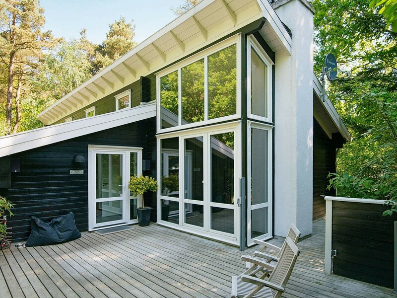 Spacious Holiday Home in Rønde with Sauna, casa vacanza a Hornslet