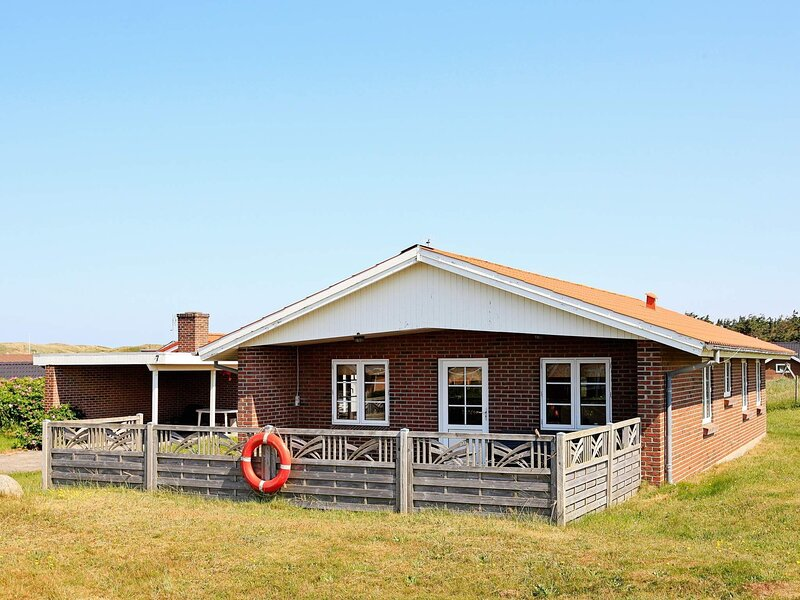 Bright Holiday Home in Harboøre with Stunning Sea View, holiday rental in Ferring