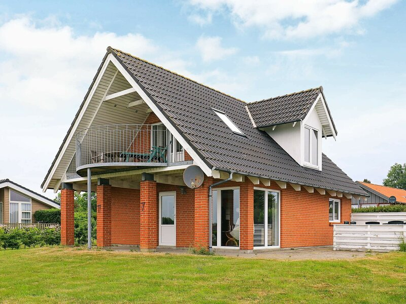Cosy Holiday Home in Jutland with a Sea View, holiday rental in Nykobing Mors