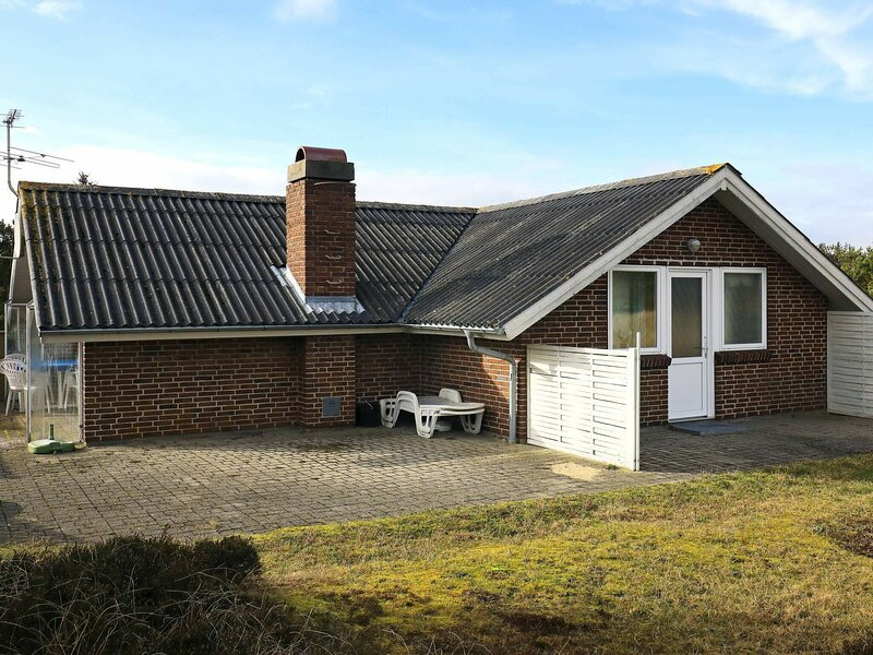 Deluxe Holiday Home in Ringkobing near the Sea, holiday rental in West Jutland