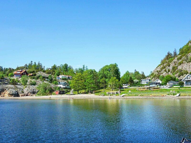 6 person holiday home in MUNKEDAL – semesterbostad i Fjällbacka