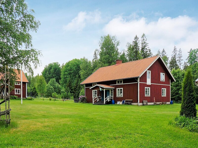 4 star holiday home in UNDENÄS, holiday rental in Tived