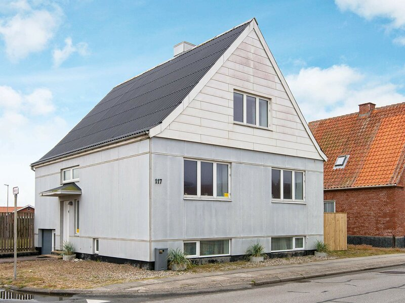 Charming Holiday Home in Jutland with Terrace, alquiler vacacional en Thyboron
