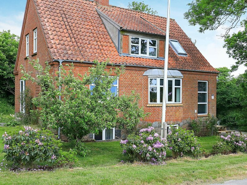Majestic Holiday Home in Jutland with Garden, holiday rental in Skive