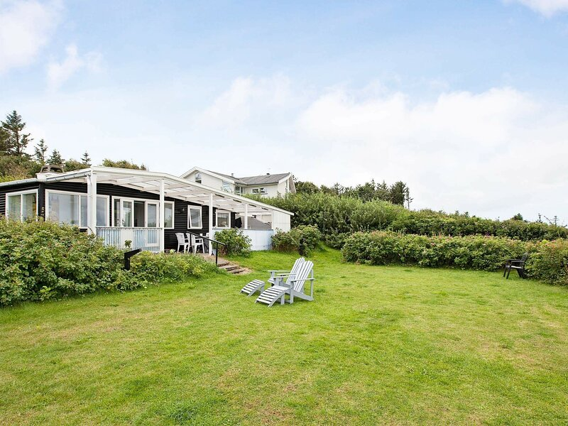 Sprawling Holiday Home in Gilleleje with Garden, holiday rental in Gilleleje