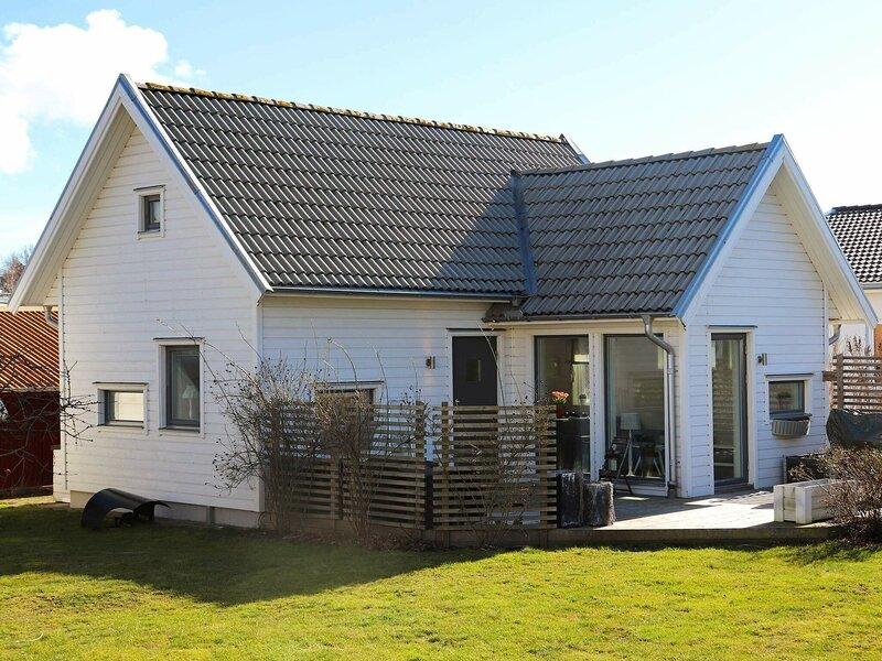 4 star holiday home in FALKENBERG – semesterbostad i Varberg