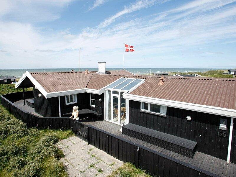 Modern Holiday Home in Lønstrup Near the North Sea, casa vacanza a Lonstrup