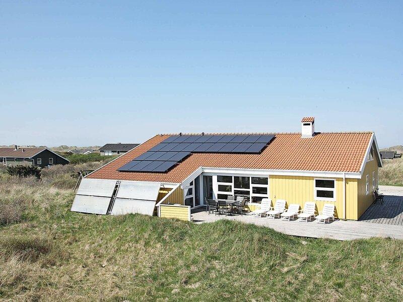 Charming Holiday Home in Hjørring Jutland Near the Sea, location de vacances à Skallerup Klit