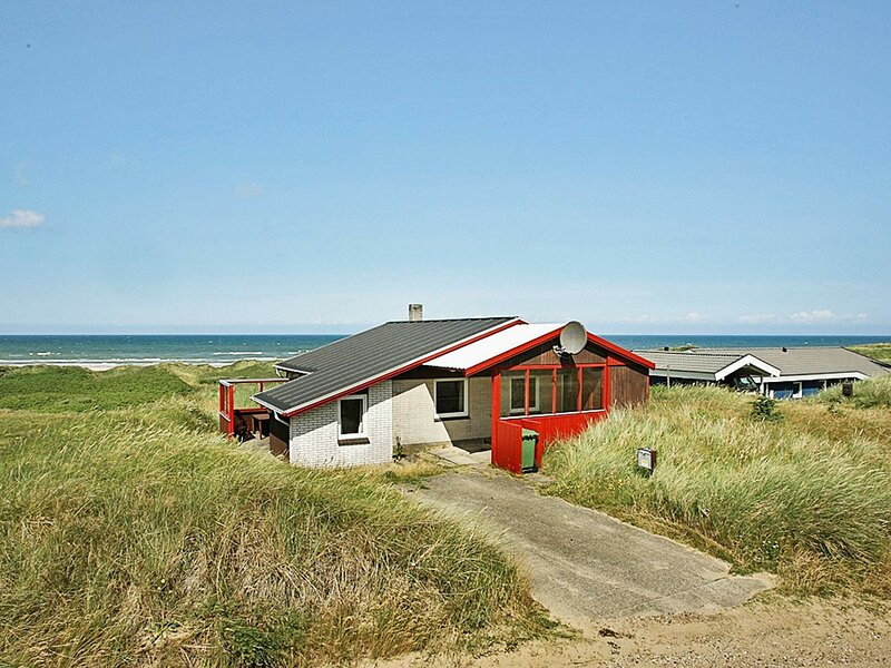 Quaint Holiday Home in Løkken Near Sea, casa vacanza a Lokken