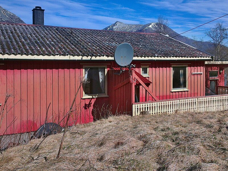 6 person holiday home in Halsanaustan, casa vacanza a Møre og Romsdal