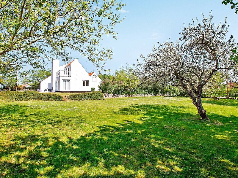 Charming Holiday Home With Whirlpool in Syddanmark, holiday rental in Rudkobing