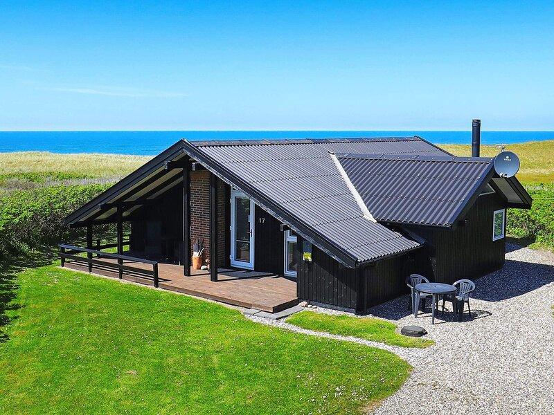 Quaint Holiday Home in Løkken Jutland With View of Ocean, casa vacanza a Rubjerg
