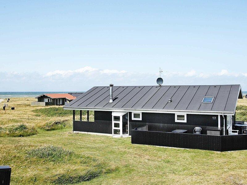 Peaceful Holiday Home in Hjørring With Sauna, location de vacances à Skallerup Klit