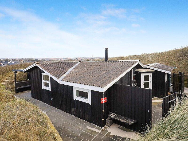4 star holiday home in Løkken, casa vacanza a Lokken