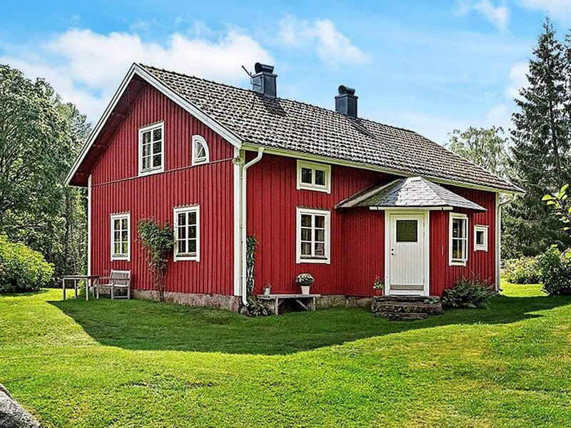 10 person holiday home in SKILLINGARYD, holiday rental in Vaggeryd