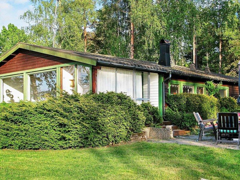 8 person holiday home in KVICKSUND – semesterbostad i Köping