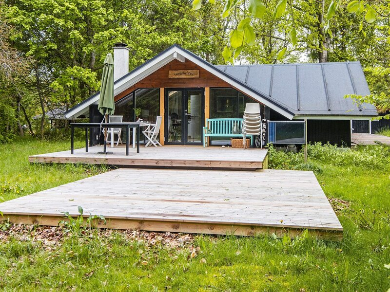 6 person holiday home in Glesborg, holiday rental in Fjellerup Strand