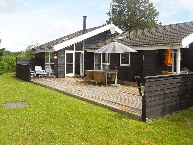 4 star holiday home in Ålbæk, holiday rental in Hulsig
