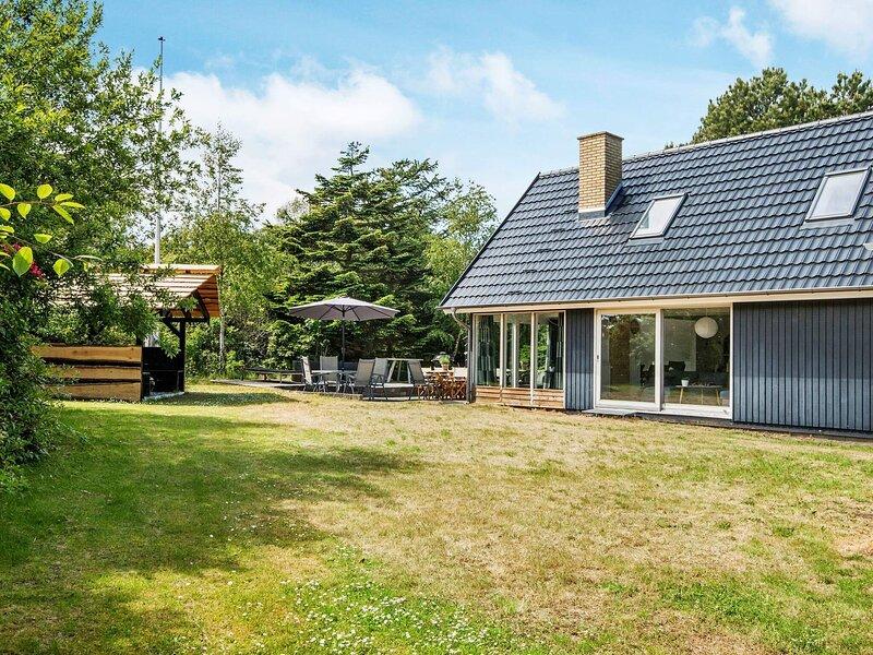 10 person holiday home in Ebeltoft, Ferienwohnung in Elsegaarde Strand