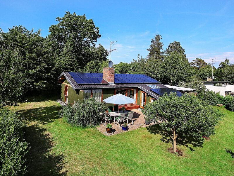 Charming Holiday Home in Gilleleje Denmark with Spa, holiday rental in Gilleleje