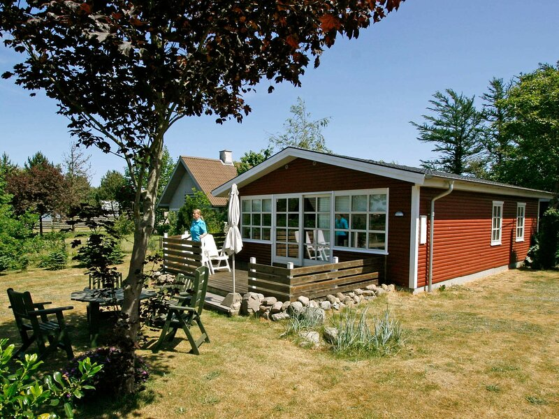 Peaceful Holiday Home in Funen Denmark with Terrace, holiday rental in Millinge