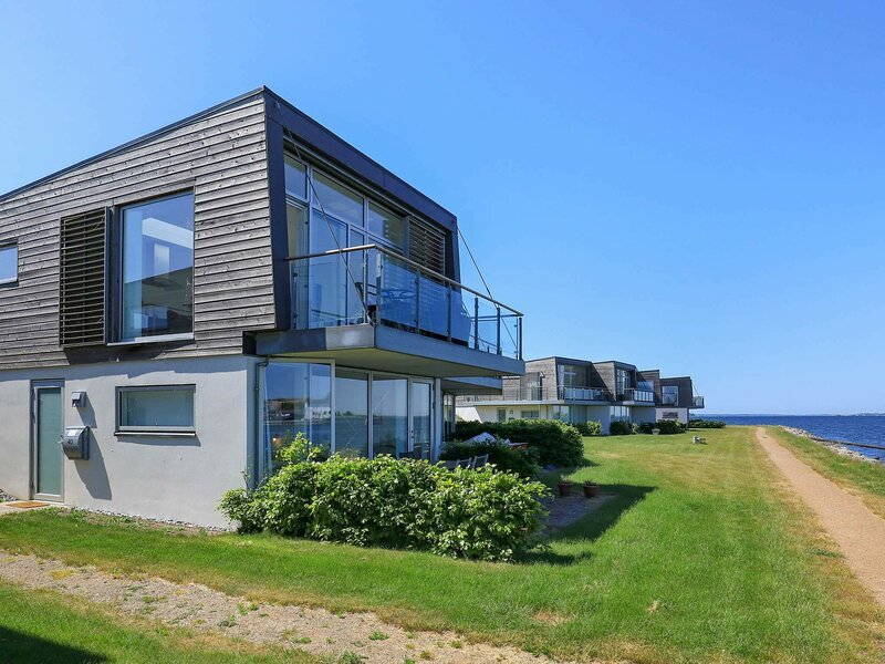 Modern Holiday Home in Stege Denmark with Terrace, casa vacanza a Stege