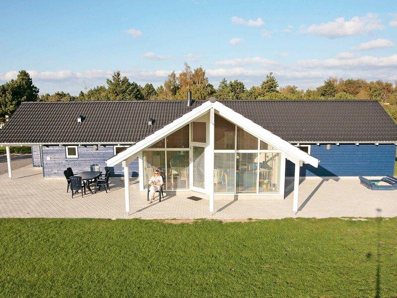 Fabulous Holiday Home in Rodby Denmark Near Sea, holiday rental in Maribo