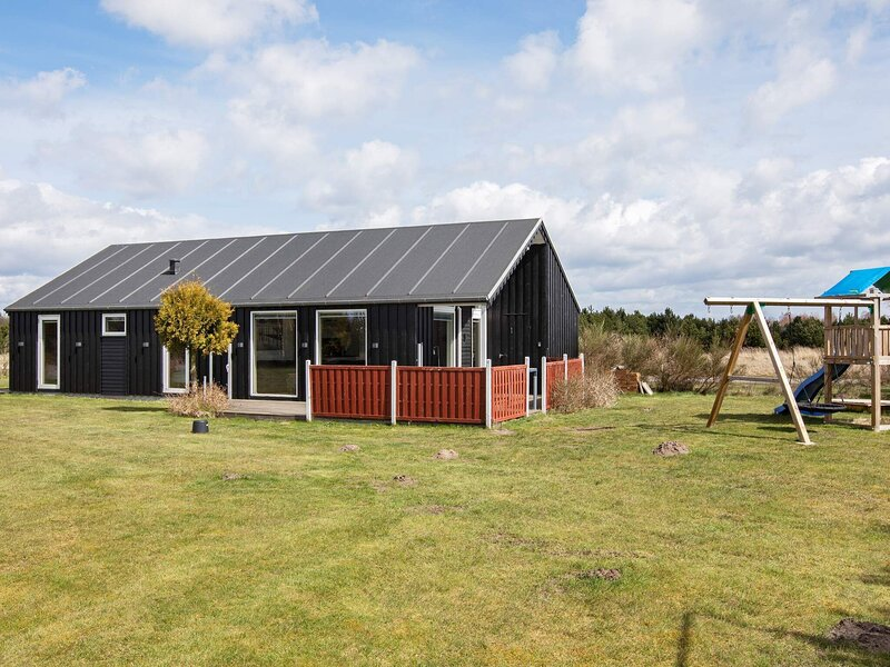 Comfortable Holiday Home in Vaeggerlose with Sauna, holiday rental in Gedser