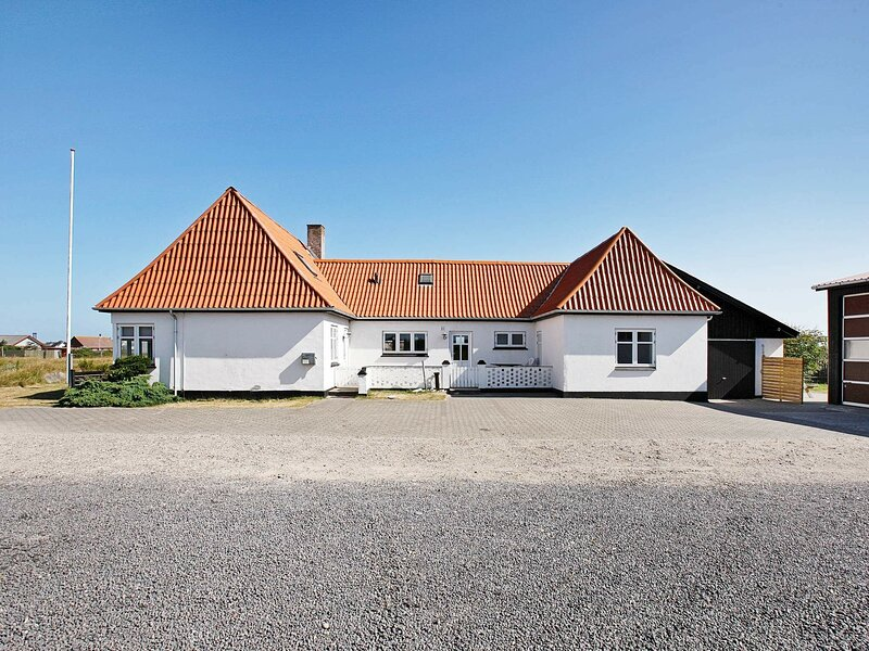 Modern Holiday Home in Harboore with Whirlpool, holiday rental in Ferring