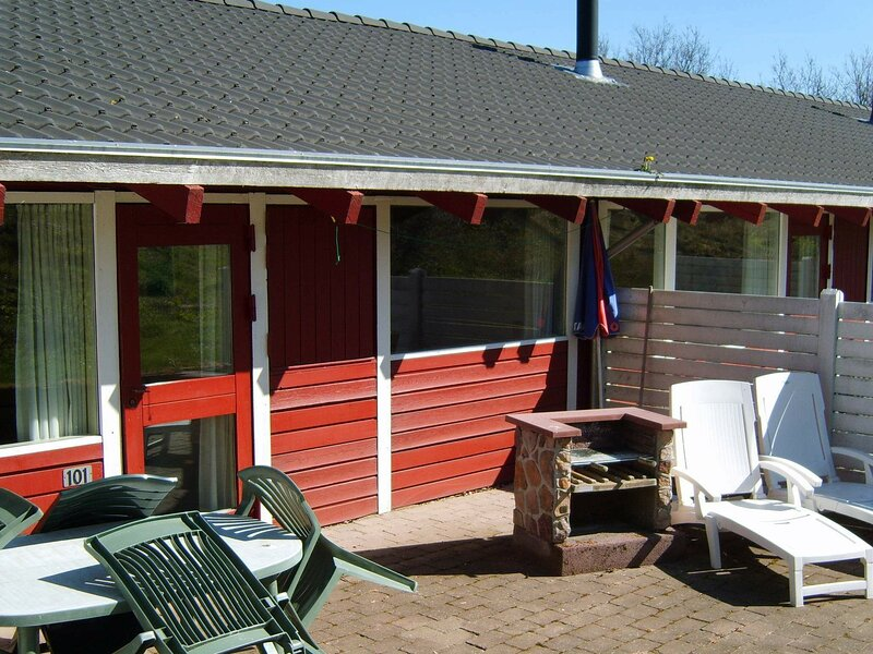 Charming Holiday Home in Jutland with Swimming Pool, holiday rental in Aabenraa